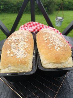 Frokostbrød! – H J E M M E L A G A Hamburger, Food And Drink, Baking, Cakes, Flat, Bass, Bakken, Mudpie, Cake