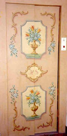 Foto: Bauernmalerei auf Lifttüre