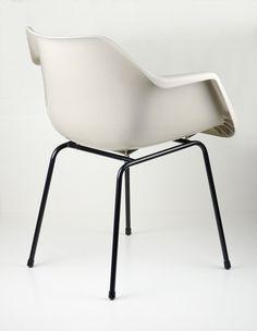 Robin Day polypropylene chair
