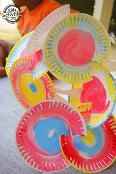 Where did I first see paper plate sculptures? In spite of us having literally thousands of kids activities on here, including tons of crafts with paper 3d Art Projects, Sculpture Projects, Kindergarten Art, Preschool Art, Art For Kids, Crafts For Kids, Arts And Crafts, Kid Art, Paper Plate Crafts