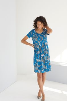 Our florals are in bloom (featuring J.Jill's Wearever Soft-Pleated Dress)