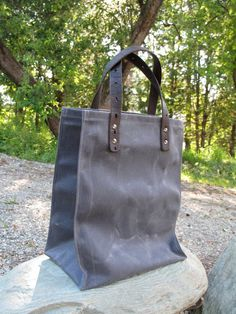 High quality, durable shopping tote made of 18 oz cotton waxed canvas, charcoal…