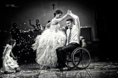 Wedding dance - such a GREAT pic!