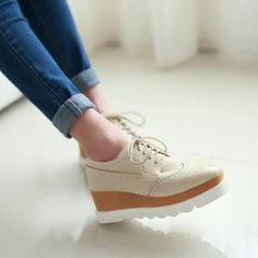 Heels: approx 6 cm Platform: approx 3.5 cm Color: White, Beige Size: US 3, 4, 5, 6, 7, 8, 9, 10, 11, 12 (All Measurement In Cm And Please Note 1cm=0.39inch) Note:Use Size Us 5 As Measurement Standard,