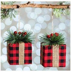 Burlap Christmas Tree, Black Christmas Trees, Country Christmas Decorations, Christmas Crafts For Gifts, Dollar Store Christmas, Christmas Tree Themes, Farmhouse Christmas Decor, Diy Christmas Ornaments, Rustic Christmas