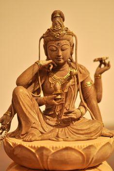 如意輪観音像 Japanese Buddhism, Japanese Temple, Buddha Painting, Buddha Art, Mahatma Buddha, Garden Animal Statues, Theravada Buddhism, Buddha Sculpture, Garage Art