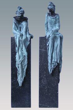 bronzen beelden Kieta Nuij | Beeldhouwer Kieta Nuij Human Sculpture, Sculptures Céramiques, Sculpture Clay, Abstract Sculpture, Plaster Art, Human Art, Drawing Techniques, Oeuvre D'art, Ceramic Art