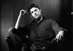 Karl Urban. SubCategory A: Watch Kink Activated. SubCategory B: All Kinds of Monochromatic Porn Going On Right Here... All. Kinds.