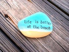 Inspirational DIY of Painted Rocks Ideas - Steine - Painting Love Pebble Painting, Pebble Art, Stone Painting, Diy Painting, Stone Crafts, Rock Crafts, Budget Crafts, Beach Rocks, Beach Rock Art