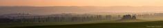 https://flic.kr/p/kTA2bz | Sonnenuntergang über dem Harzvorland | Dieses Foto entstand von der Altenburg (Quedlinburg) aus. Ich war gerade mit dem Fahrrad unterwegs um eine schöne Stelle zu suchen, den Sonnenuntergang zu fotografieren, da erblickte ich diese stimmungsvolle Landschaft. Im mittleren Bereich erkennt man die Teufelsmauer und wenn man genau hinsieht im Hintergrund auch den Hexentanzplatz und den Eingang zum Bodetal.