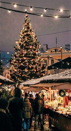 Christmas In Europe, Cosy Christmas, Christmas Feeling, Christmas Wonderland, Little Christmas, All Things Christmas, Christmas Time, Salzburg Christmas, German Christmas Markets
