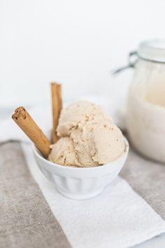 :homemade chai latte ice cream