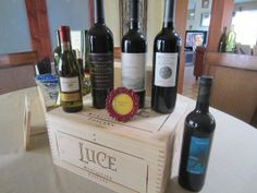 Brilliant! A wine tasting bridal shower.  This has decor, games, favor, and activity ideas!