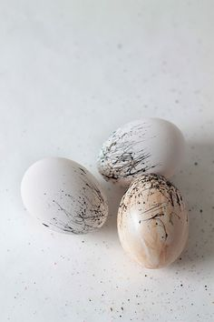 Paint Splattered Easter Eggs | Squirrelly Minds Easter #easter Easter Ideas Easter crafts, easter recipes