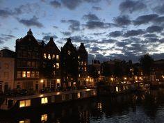 Amsterdam by night - beautiful city lights - things to do in Amsterdam Find A Date, Amsterdam Things To Do In, Amsterdam Travel, City Lights, New York Skyline, Stuff To Do, Night, Beautiful