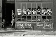 """South Side market, Chicago"" with security at the door. April 1941 Photo by Russell Lee Vintage Photographs, Vintage Photos, Vintage Ads, Beef Kidney, Chicago Store, Coca Cola Drink, Meat Markets, Chicago Photos, Butcher Shop"