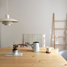 Love the nordic feeling, especially the poul henningsen lamp!