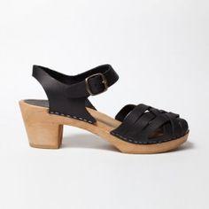 Sabot-sandales en cuir gras noir Sandales Tressées, Atelier Scandinave, Cuir  Noir, e66dd2123fed