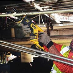 DEWALT 20V MAX XR Compact Reciprocating Saw