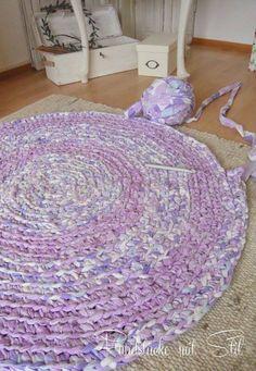 die 38 besten bilder von teppich kn pfen bastelei recycling und schneiderei. Black Bedroom Furniture Sets. Home Design Ideas