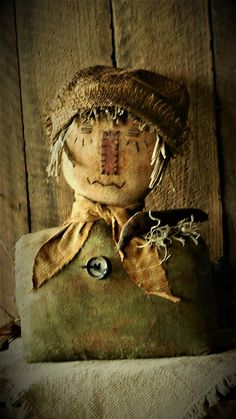 Your place to buy and sell all things handmade Primitive Scarecrows, Primitive Halloween Decor, Primitive Fall, Primitive Folk Art, Primitive Crafts, Scarecrow Doll, Halloween Doll, Outdoor Halloween, Fall Halloween