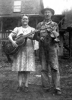 I'm hoping they were utterly fantastic! Lucinda and Gus Grub in front of their house in West Virginia. Old Pictures, Old Photos, Creepy Pictures, Vintage Photographs, Vintage Photos, Appalachian People, Americana Music, Mountain Music, Best Guitar Players