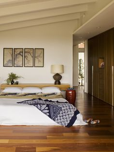 Bedroom Wood Trim Design, Pictures, Remodel, Decor and Ideas - page 10