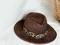 Natural straw Fedora hat. Straw Wide Brim Fedora. Beach hats women. Wide Brim Fedora, Straw Fedora, Fedora Hat, Scrub Hat Patterns, Fedora Beach, Beach Hats, Raffia Hat, White Whale, Scrub Hats