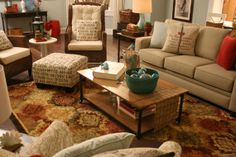 Living Room by Remodelaholic and DIY Showoff!!!