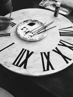 How to make a wooden roman numeral clock similar to the one on fixer upper  | The Duncan Diaries