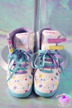 Pastel Coloured Reeboks Harajuku Fashion, Kawaii Fashion, Vaporwave Fashion, Larme Kei, Cute Shoes, Me Too Shoes, Kawaii Cute, Pastel Fashion, Cute Outfits
