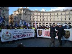 12 febbraio 2015 manifestazione Polizia Locale a Roma. Polizia Locale di tutta Italia presente, la politica sempre sorda alla richiesta di riforme. Santori con gli Agenti