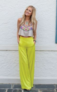 high waisted pants with a crop top<3 love this!