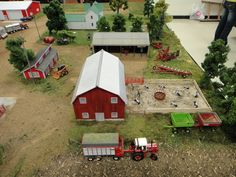 Pictures from the 2012 National Farm Toy Show held in Dyersville, Iowa. Dyersville Iowa, Farm Village, Farm Images, Farm Layout, Ho Model Trains, Hobby House, Toy Display, Farm Toys, Mini Farm