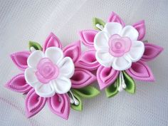 Items similar to Handmade Kanzashi ladies girls hair clips - buy in UK, shipping worldwide on Etsy Diy Ribbon Flowers, Cloth Flowers, Kanzashi Flowers, Ribbon Art, Fabric Ribbon, Ribbon Crafts, Felt Flowers, Flower Crafts, Fabric Flowers