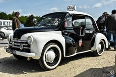 Police Vehicles, Police Cars, Military Vehicles, French Police Car, Vintage Cars, Antique Cars, Nissan Infiniti, Police Uniforms, Small Cars