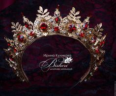 """Купить Корона """"Маркиза"""" - золотой, корона, диадема, тиара, красные ками, золотая корона"""