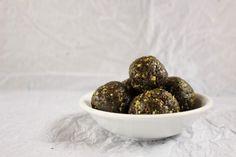 No-Bake Matcha Tahini Energy Bites Melt In Your Mouth, Energy Bites, Tahini, Chia Seeds, Matcha, Almond, Yummy Food, Snacks, Fruit