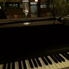 My favorite way to spend the evening. @speakeasyaustin #ATX #SophieMarceline #lamome #chanteuse #beauté #beauty #pianolove #champagne #downtown #centreville #nightlife #followthelight #speakeasy #nightclub #lavieenrose #dreamscometrue by sophiemarceline