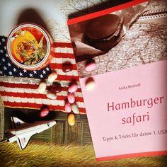 """Hier seht ihr mein Buch """"Hamburger safari Tipps & Tricks für deine 1. USA Reise"""". Ich schreibe über meine große Liebe Amerika😍 Scheiss auf Trump! Kein Staatsoberhaupt wird mir je meine Liebe zu Amerika vermiesen. Die Urlaubsplanung für 2018 läuft😍. Es geht nach Virginia♥️ Schaut doch mal rein. Es kostet 9,90 € und ist in den gängigen Onlinebuchläden erhältlich (auch als Ebook) www.hamburgersafari.de #usa #usareise #amerika #urlaub #reiseführer"""