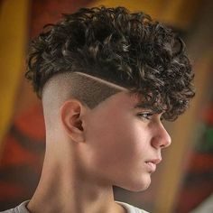 Curly Undercut: 30 Modern Curly Haircuts for Men - Men's Hairstyle Tips Curly Undercut, Messy Curly Hair, Haircuts For Curly Hair, Curly Hair Cuts, Undercut Hairstyles, Haircuts For Men, Curly Hair Styles, Undercut Pompadour, Teen Boy Hairstyles