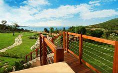Green garden near the sea! #sardinia #sea #luxury #villa #italy #confort #garden #travel http://www.luxuryholidaysinsardinia.com/Blog/dettaglio/lifestyle-outdoor-un-mondo-di-opportunita-per-vivere-la-sardegna