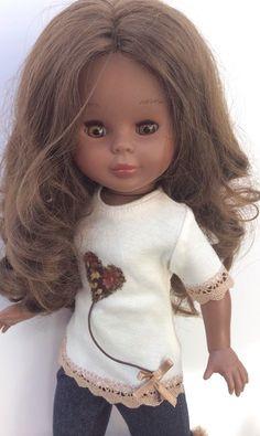 """Vestidos Para Nancy """"El Costurero De Chus"""": Nuevos modelos de camisetas para Nancy y Pepas Ropa American Girl, American Girl Clothes, Nancy Doll, Reborn Dolls, Couture, Girl Dolls, Doll Clothes, Girl Outfits, Glamour"""