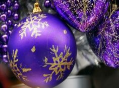 Amazing Purple and Silver Christmas Tree Decorations for Your Modern Home Decor Ideas with common decor