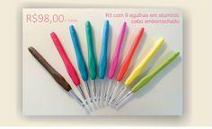 Agulha em alumínio com cabo emborrachado, proporcionando uma pegada fácil e confortável além das cores divertidas.  Boleto, depósito ou catão de crédito via pagseguro - Para comprar visite a loja virtual no seguinte link: http://www.crochetapetes.com.br/produto/agulha-de-croche  São 9 agulhas em um kit, uma unidade de cada nos seguintes tamanhos: 2.0mm – 2.5mm – 3.0mm – 3.5mm – 4.0mm – 4.5mm – 5.0mm – 5.5mm – 6.0mm