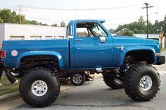 Check this out! I honestly prefer this coloring for this chevy truck offroad 87 Chevy Truck, Lifted Chevy Trucks, Gm Trucks, Jeep Truck, Chevrolet Trucks, Diesel Trucks, Cool Trucks, Chevy 4x4, 1957 Chevrolet