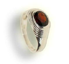 Garnet man ring in 925 silver