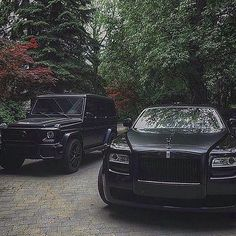 WEBSTA @ theweaknessesofmen - Black Beauty's 🔥 Left Or Right⁉️Follow: @gentlemandailylife ________________________________________#top #beast #live #late #follow #f4f #l4l #daily #boss #ceo #clear #shot #black #like4like #selfie #men #power #weapon #speed #gentleman #supercar #exotic #rr #money #rich #mercedes #millionaire #allblack #blackedout