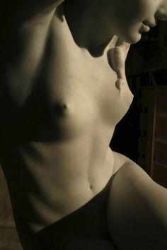 "Cicero D'Avila--detail of ""Cariatide Ruiva"" Stone Sculpture, Sculpture Art, Arte Yin Yang, D Avila, Chef D Oeuvre, Foto Art, Female Art, Human Body, Amazing Art"