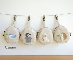 ハンドメイドマーケット+minne(ミンネ)|+羊毛フェルト刺繍のキーホルダーポーチ(幸せのことりさん・水色)